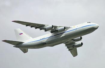 Оборудование для борьбы с коронавирусом в США доставил Ан-124, совершив две дозаправки. Фото Виталия Кузьмина