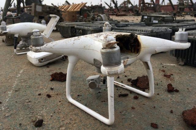 Один из дронов-самоделок, сбитых нашими военными в Сирии.