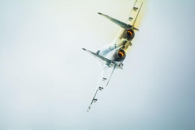 Одиночный пилотаж истребителя Су-35С