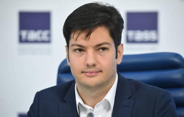 Олег Мансуров