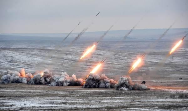 """Тяжелая огнеметная система залпового огня ТОС-1 """"Буратино""""."""