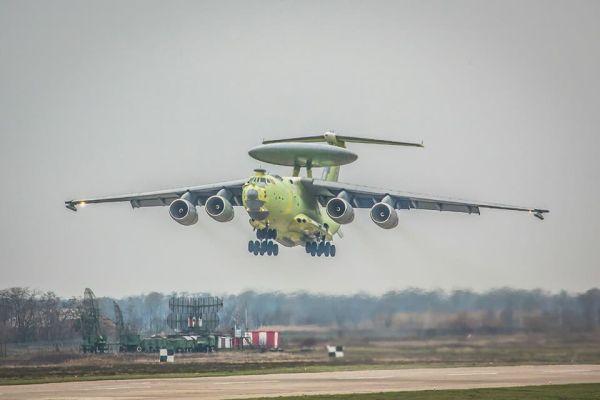 Опытный образец самолета А-100