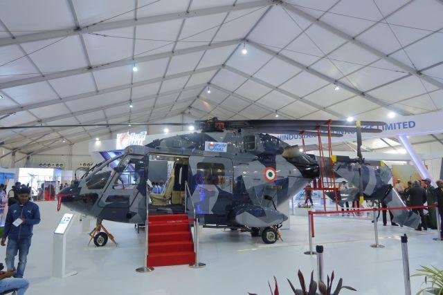 Опытный образец-демонстратор корабельного варианта Naval Utility Helicopter (NUH) индийского многоцелевого вертолета HAL Dhruv Mk III ALH в экспозиции выставки Aero India 2019. Бангалор, 20.02.2019