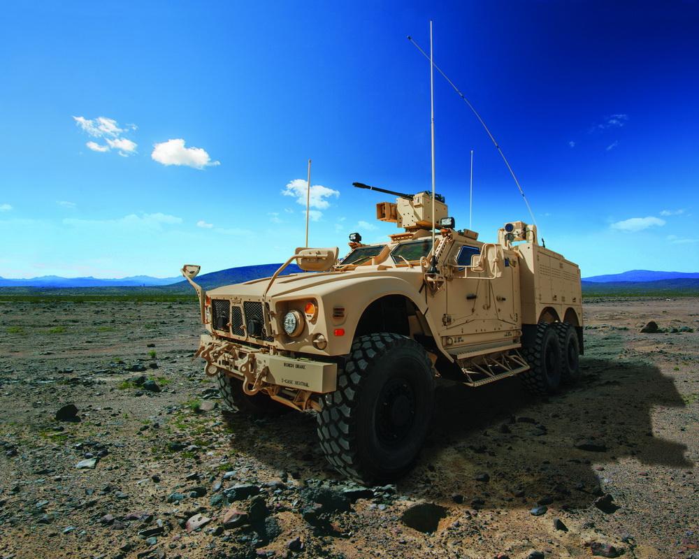 Прототип-демонстратор бронированной машины Oshkosh M-ATV в варианте с колесной формулой 6х6.