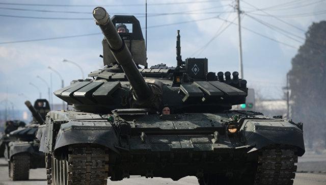 Основные боевые танки Т-90 А. Архивное фото.