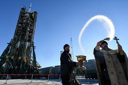 Освящение ракеты православным священником