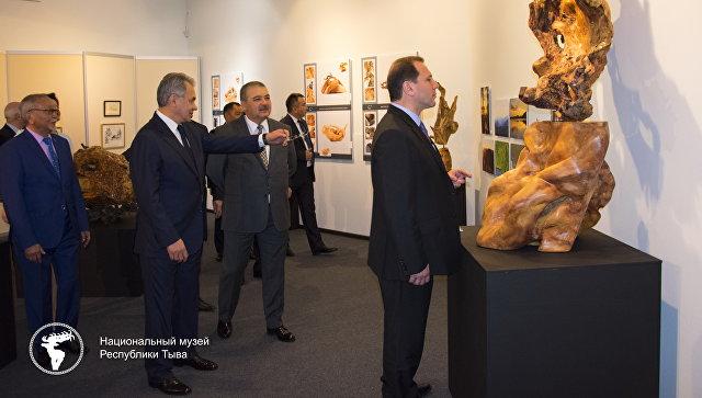 Открытие проекта Департамента культуры Министерства Обороны РФ с участием Сергея Шойгу в национальном музее имени Алдан-Маадыр в Кызыле. 6 июня 2018.