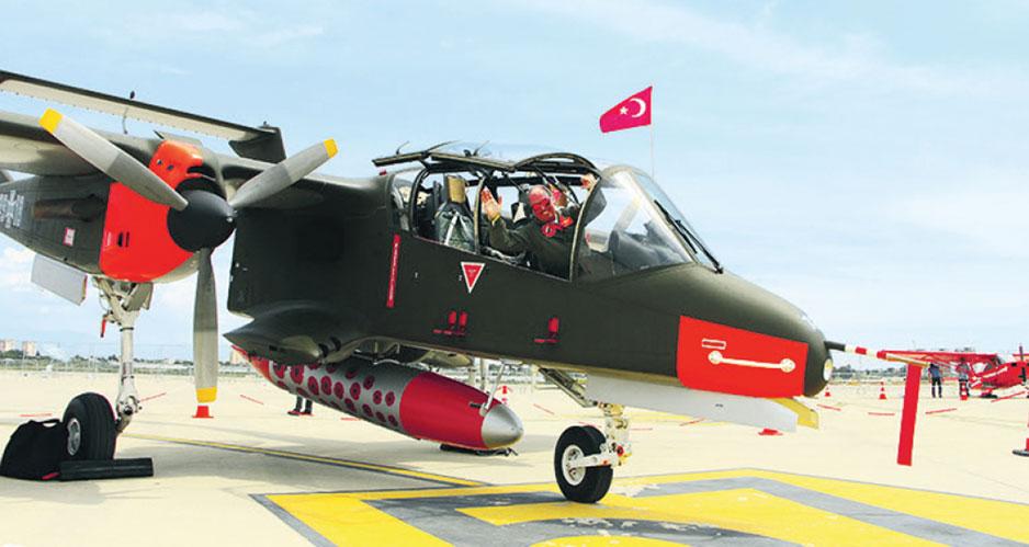 Американский штурмовик 60-х годов OV-10 Bronco на Eurasia Airshow.