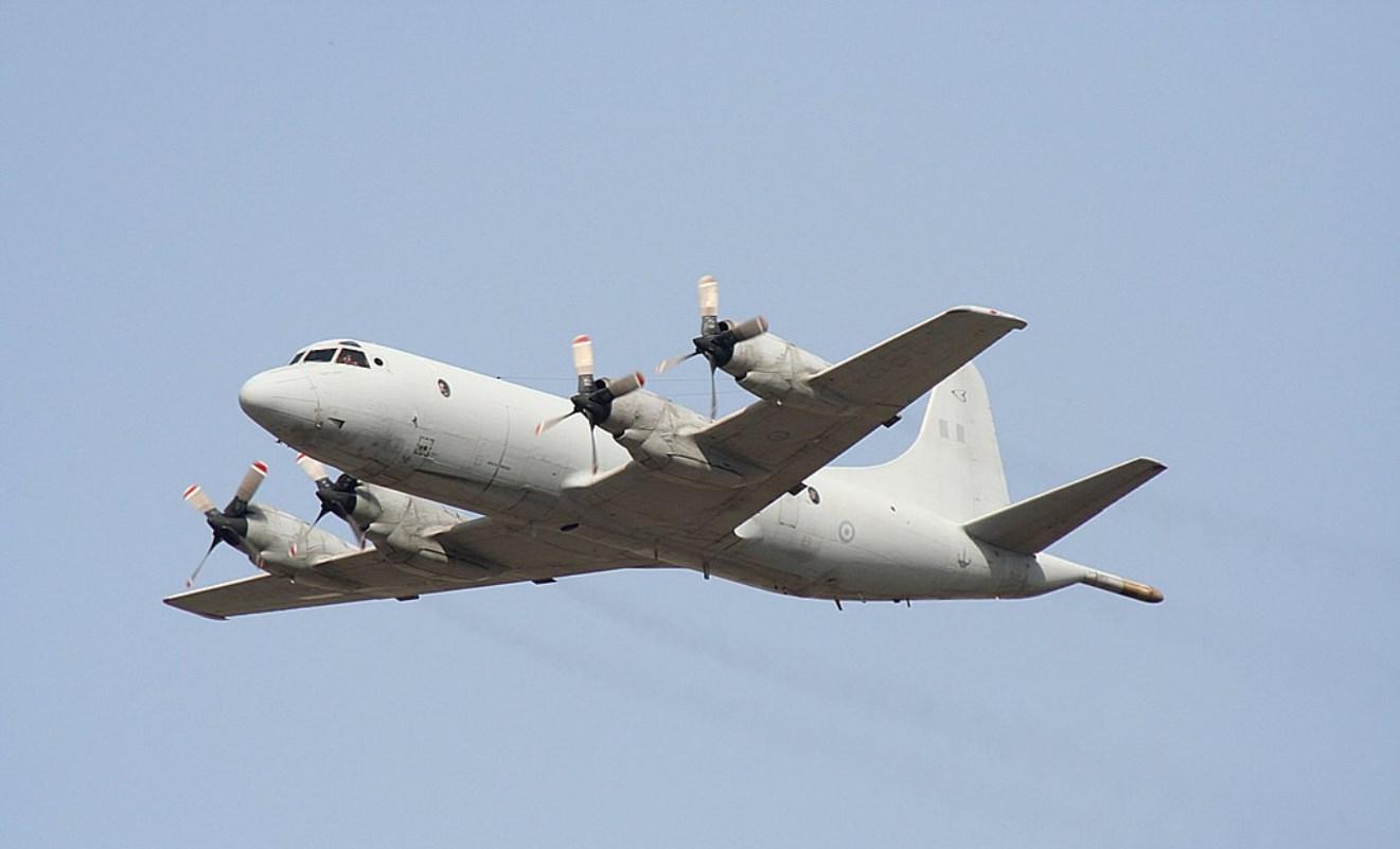 Противолодочный самолет Lockheed Martin P-3B Orion.
