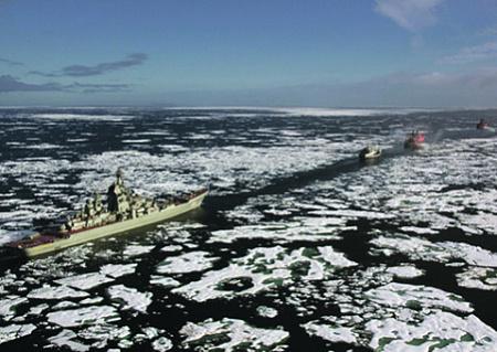 "<p> Круглогодичная навигация по Севморпути позволит флоту действовать от Баренцева моря до Берингова пролива. </p> <p> Фото с сайта <a href=""http://www.mil.ru"">www.mil.ru</a> </p>"