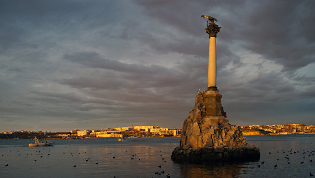 Памятник затопленным кораблям в Севастополе, Россия. Архивное фото.