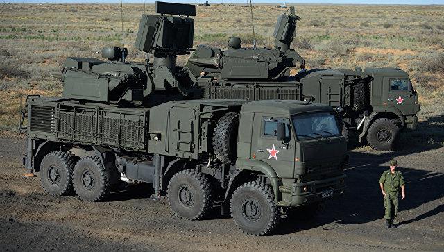 Самоходный зенитный ракетно-пушечный комплекс (ЗРПК) наземного базирования Панцирь-С1.