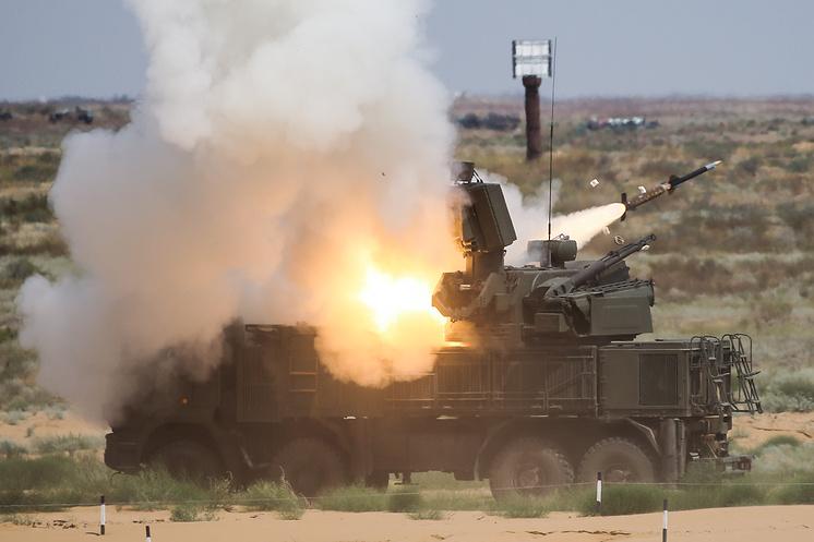 """Зенитный ракетно-пушечный комплекс """"Панцирь-С""""."""
