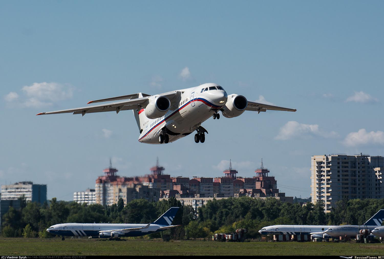 Пассажирский самолет Ан-148-100Е (серийный номер 43-08, регистрационный номер RA-61731) построенный в 2017 году по контракту с Министерством обороны России. Воронеж, 14.09.2017.