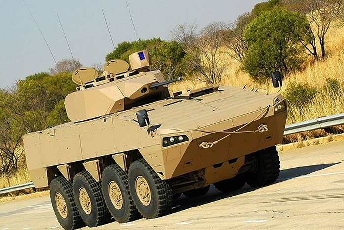 Бронированная модульная машина Patria AMV.