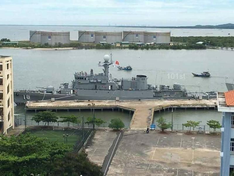 Предназначенный для передачи ВМС Вьетнама бывший южнокорейский корвет PCC 761 Gimcheon типа Pohang в Вунгтау (Вьетнам), июнь 2017 года.