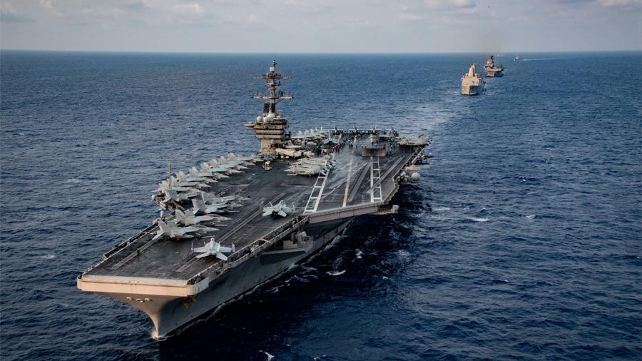 Пентагон отказался от эвакуации экипажа авианосца Theodore Roosevelt