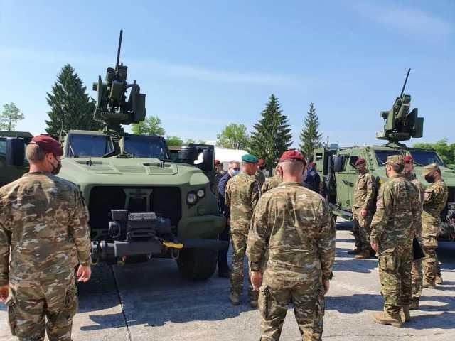 Передача бронемашин JLTV армии Словении