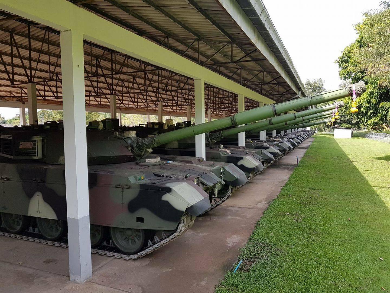 Первая партия китайских танков VT4 (MBT-3000), поставленных в Таиланд. Предположительно, Нам Пхонг, 10.10.2017.