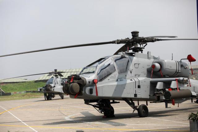 Первые полученные ВВС Индии боевые вертолеты Boeing AH-64E(I) Apache Guardian (машины не оснащены РЛС AN/APG-78 Longbow), Паттанкот (Индия), 01.08.2019
