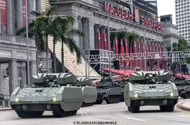 Первые сингапурские серийные боевые машины пехоты Hunter (NGAFV) в составе 42-го батальона Сингапурского танкового полка (42 SAR) на военном параде 09.08.2019