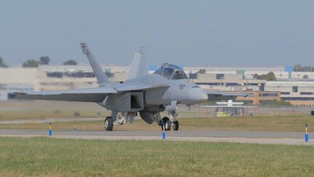 Первый истребитель Boeing F/A-18E/F Super Hornet, модернизированный по программе SLM