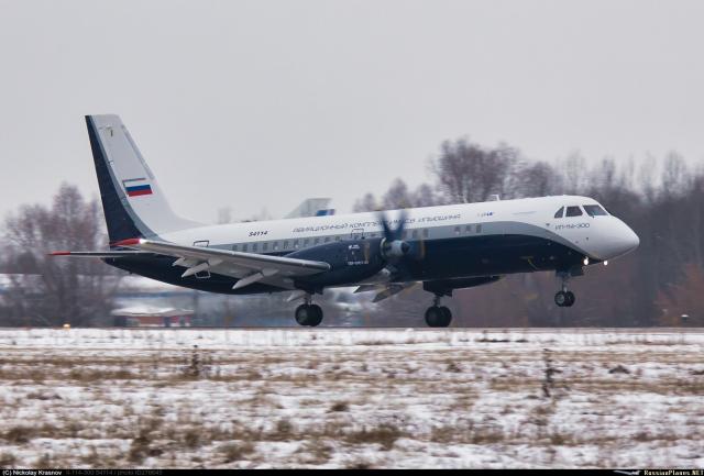 Первый опытный образец самолета Ил-114-300 (регистрационный номер 54114, переоборудованный серийный самолет Ил-114 с заводским номером 1033830030 и серийным номером 01-08) в первом полете. Жуковский, 16.12.2020