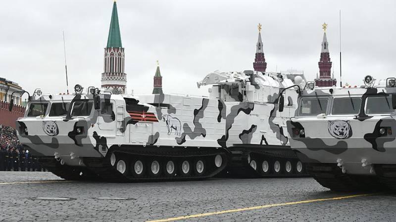 """Арктический зенитный ракетный комплекс """"Тор-М2ДТ""""."""