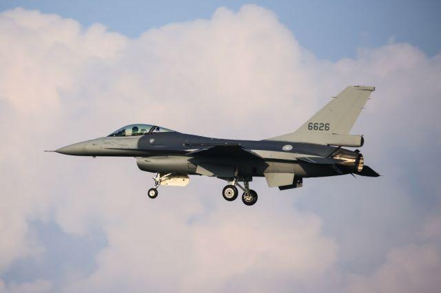 """Первый прошедший модернизацию в вариант F-16V истребитель ВВС Тайваня Lockheed Martin F-16А (тайваньский бортовой номер """"6626"""", номер ВВС США 93-0727, серийный номер TA-26) 2018 год"""