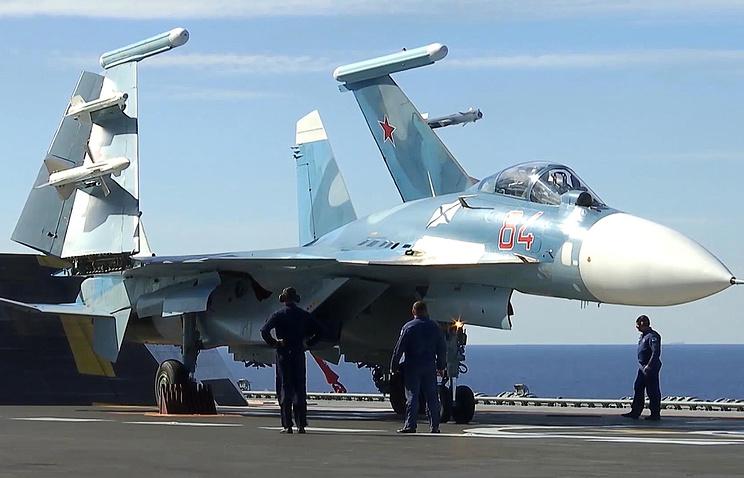 Российский палубный истребитель четвертого поколения Су-33 (Су-27К) (Flanker-D)