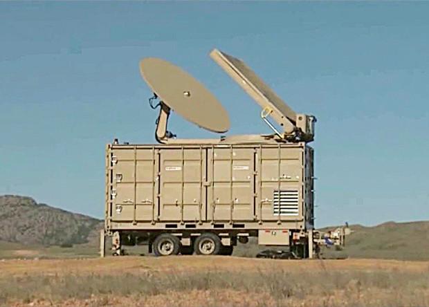 Установка электромагнитного излучения Phaser для поражения беспилотников, разработанная американской компанией Raytheon.