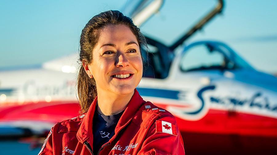 Пилотом разбившегося в Канаде самолета ВВС оказалась женщина