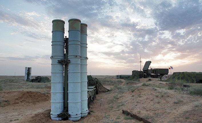 """Подготовка к стрельбам зенитных ракетных систем С-400 """"Триумф""""."""