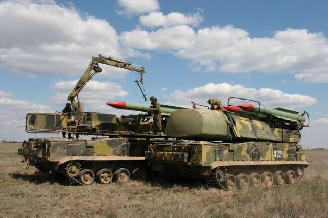"""Подготовка к стрельбе зенитного ракетного комплекса 9К317 """"Бук-М2"""""""