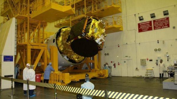 Подготовка спутника AngoSat-1 к пуску