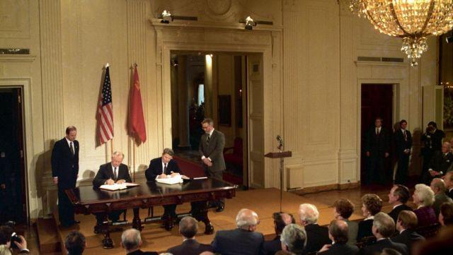 Подписание советско-американского договора РСМД