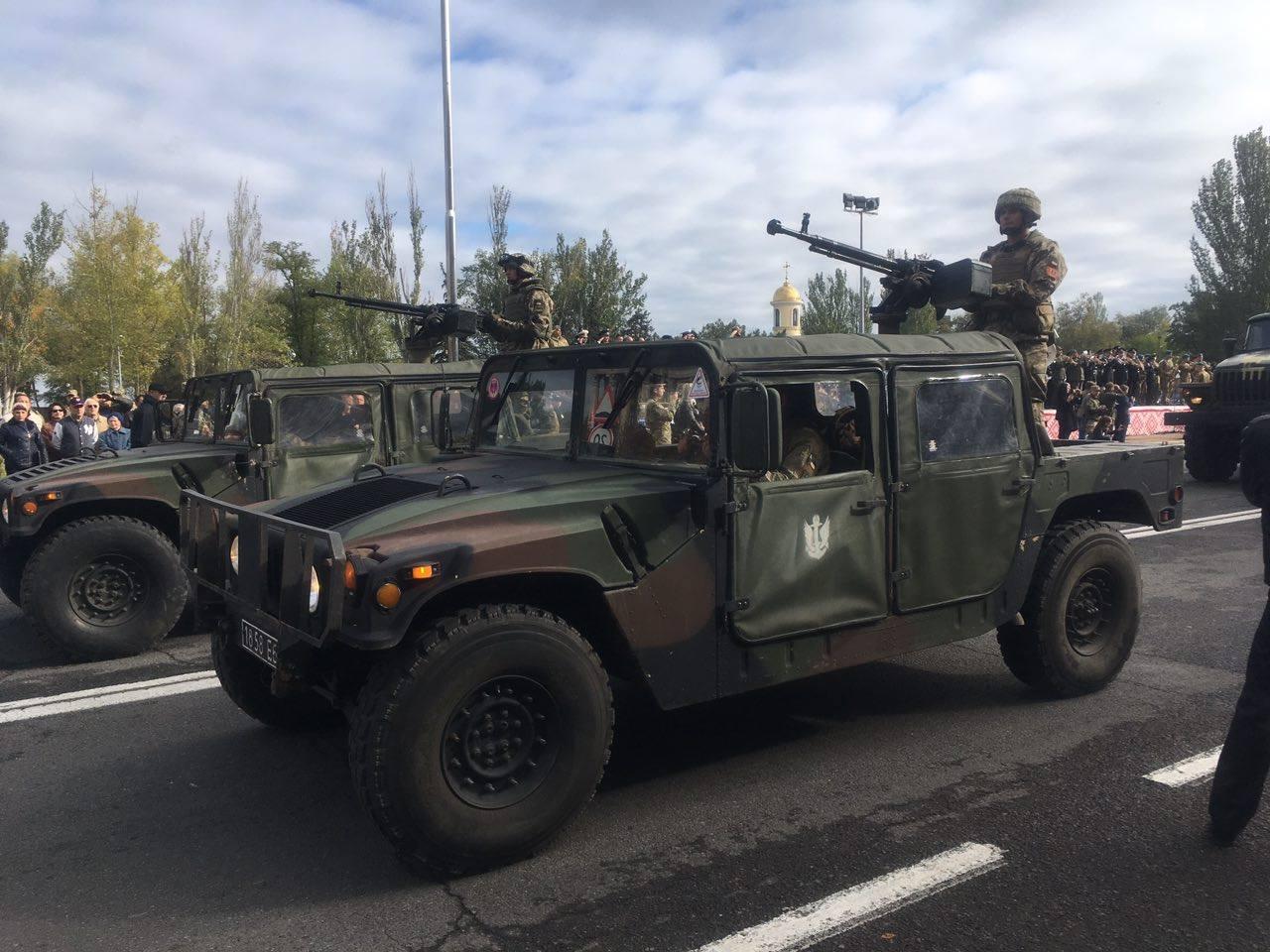 Подразделения 36-й отдельной бригады морской пехоты ВМС Украины на параде в Николеве, 17.10.2017.