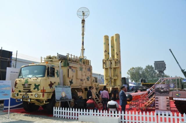 Подвижная автономная пусковая установка Mobile Autonomous Launcher (MAL) ракет BrahMos разработки компании BrahMos Aerospace (c) bmpd