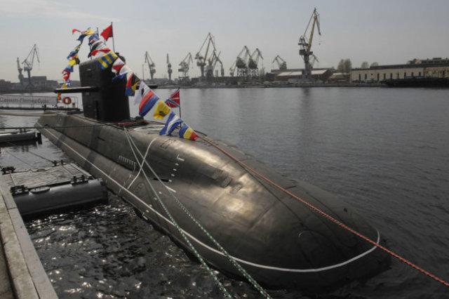 """Подводная лодка проекта 677 """"Санкт-Петербург""""."""