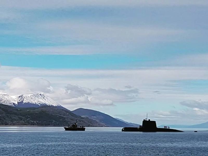 Аргентинская большая дизель-электрическая подводная лодка S 42 San Juan германской постройки проекта TR 1700 в Ушуая, октябрь-ноябрь 2017 года.