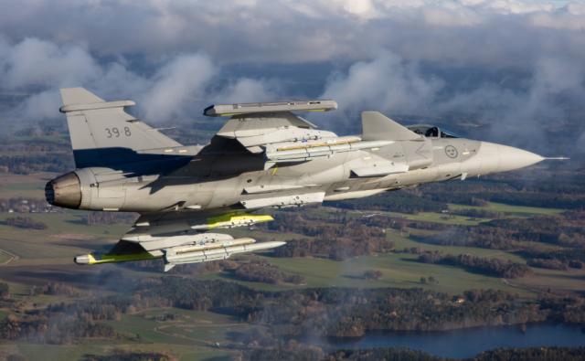Полет истребителя Gripen E