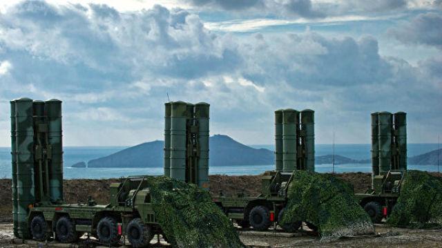 Полк С-400 на боевом дежурстве в Крыму