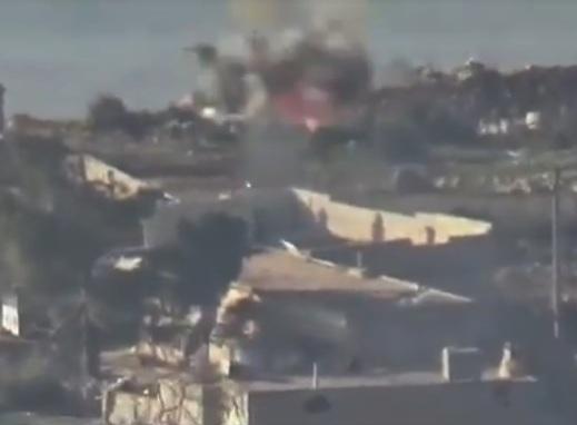 Попадание ПТУР в открыто стоящий турецкий танк.