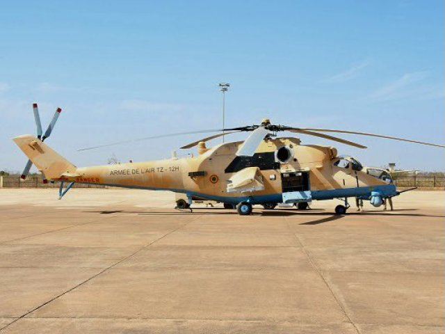 """Поставленный ВВС Мали из России боевой вертолет Ми-35М (малийский регистрационный номер TZ-12H) новой постройки АО """"Роствертол"""" (в составе АО """"Вертолеты России""""). Сообщалось, что он был поставлен в конце 2020 года, став третьим по контракту 2016 года с Ма"""