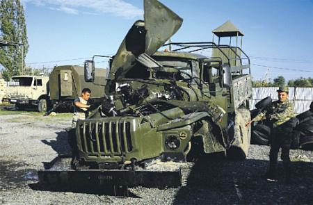 Потери с обеих сторон составляют сотни единиц боевой техники. Фото Reuters