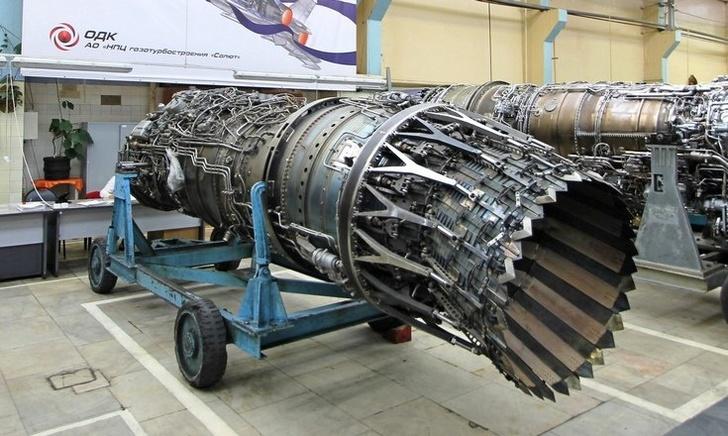 Предположительно, двигатель АЛ-31ФН серии 4 в цеху АО «Научно-производственный центр газотурбостроения «Салют». Москва, октябрь 2017 года.