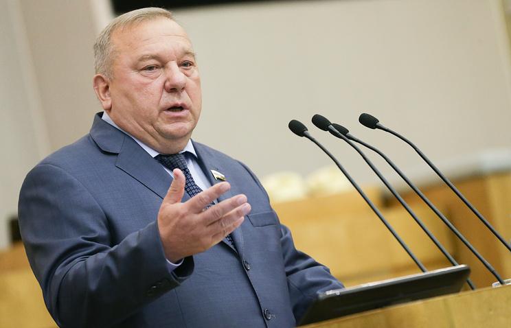 Председатель комитета Госдумы РФ по обороне Владимир Шаманов.