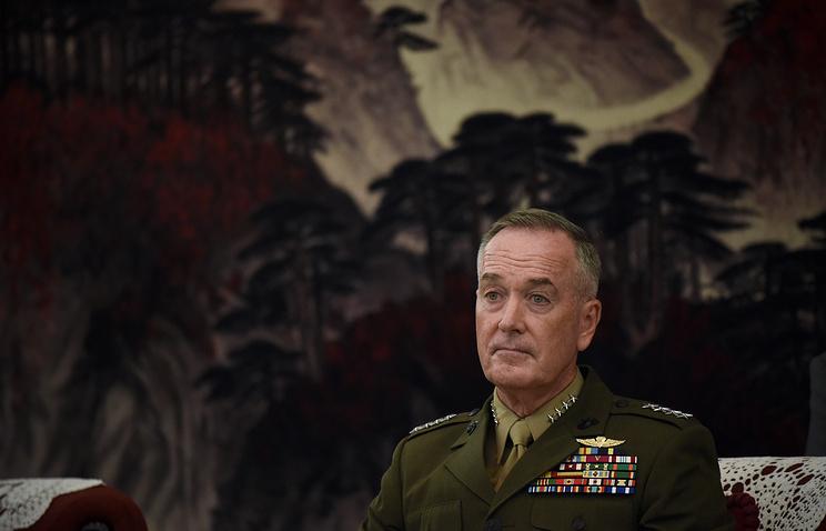 Председатель Комитета начальников штабов Вооруженных сил США генерал Джозеф Данфорд во время визита в Китай.