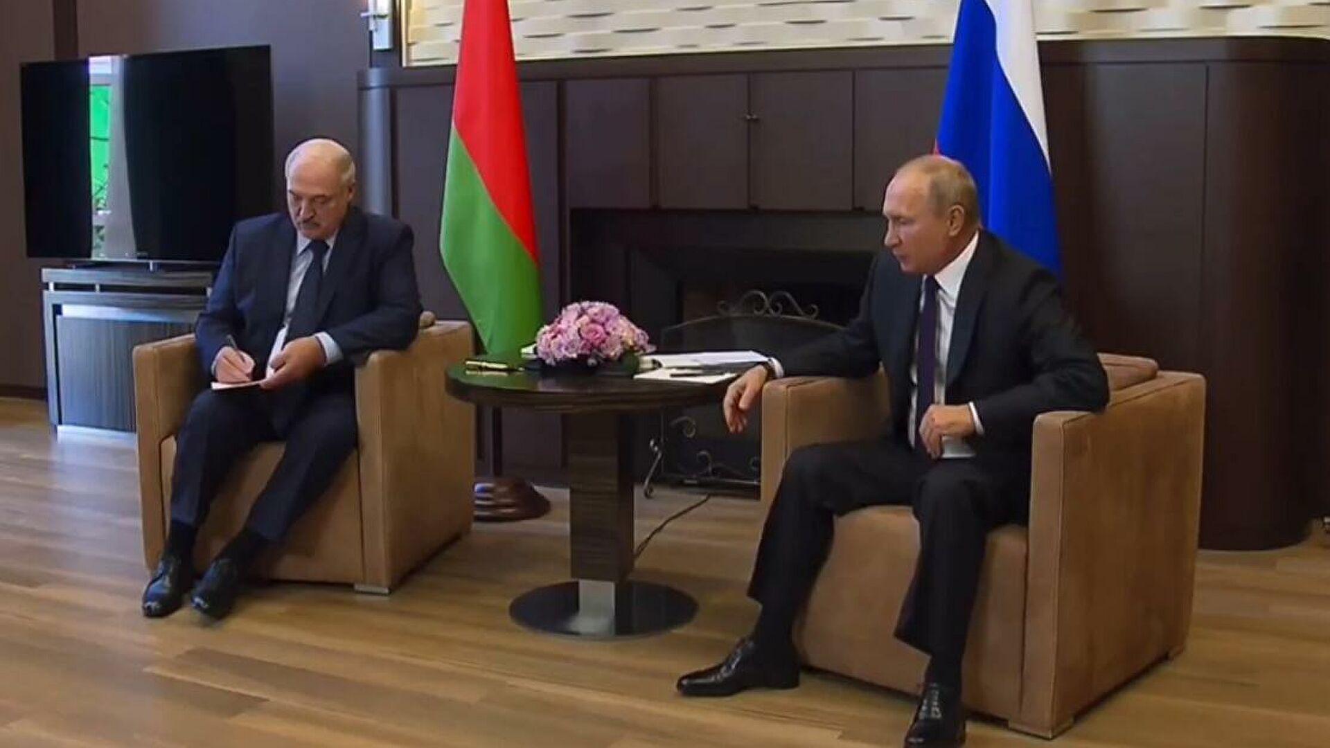 Песков заявил, что Лукашенко не просил Путина о поставках вооружения