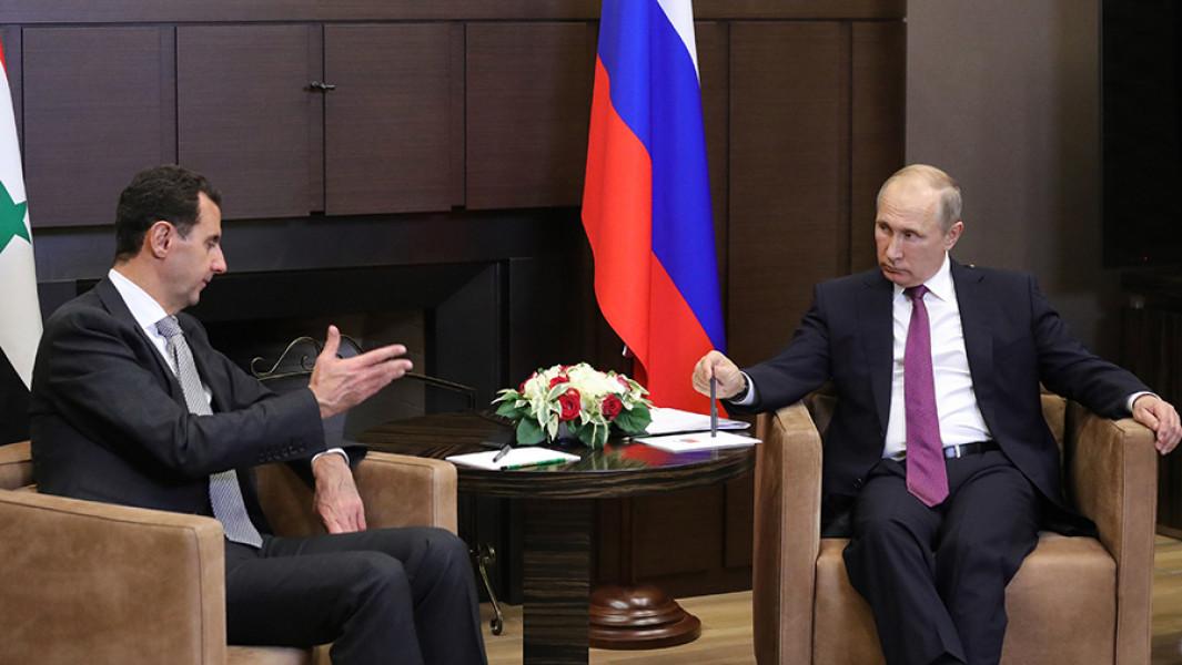 Президент РФ Владимир Путин и президент Сирии Башар Асадво время встречи в Сочи 20 ноября 2017 года.